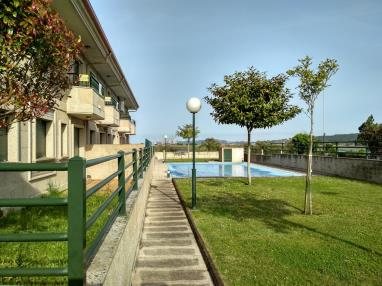 piscina-apartamentos-playa-de-la-lanzada-3000-revolta,-a_-noalla_-sanxenxo-galicia_-rias-bajas.jpg