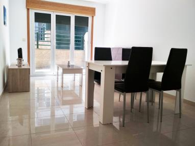 salon-comedor-apartamentos-playa-de-la-lanzada-3000-revolta,-a_-noalla_-sanxenxo-galicia_-rias-bajas.jpg