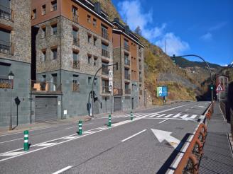 fachada-verano_7-apartamentos-canillo-les-moles-3000canillo-estacion-grandvalira.jpg