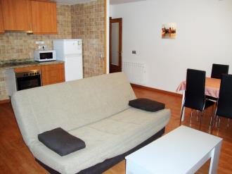 salon-comedor_5-apartamentos-canillo-les-moles-3000canillo-estacion-grandvalira.jpg