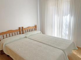 dormitorio-2-apartamentos-edison-3000peniscola-costa-azahar.jpg