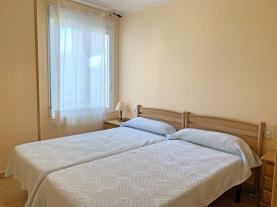 dormitorio-5-apartamentos-edison-3000peniscola-costa-azahar.jpg