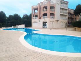 piscina-apartamentos-edison-3000-peniscola-costa-azahar.jpg