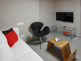 salon-apartamentos-caballerizas-granada-3000-granada-andalucia.jpg