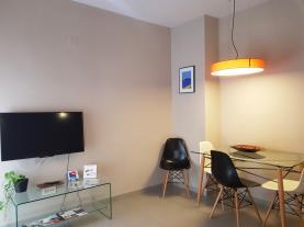 salon-comedor-2-apartamentos-caballerizas-granada-3000granada-andalucia.jpg