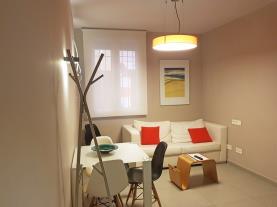 salon-comedor-3-apartamentos-caballerizas-granada-3000granada-andalucia.jpg
