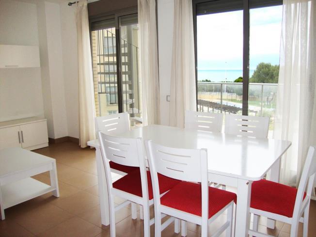 salon-comedor_3-apartamentos-alcocebre-suites-3000alcoceber-costa-azahar.jpg