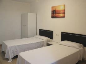 dormitorio-4-apartamentos-las-palmeras-3000peniscola-costa-azahar.jpg