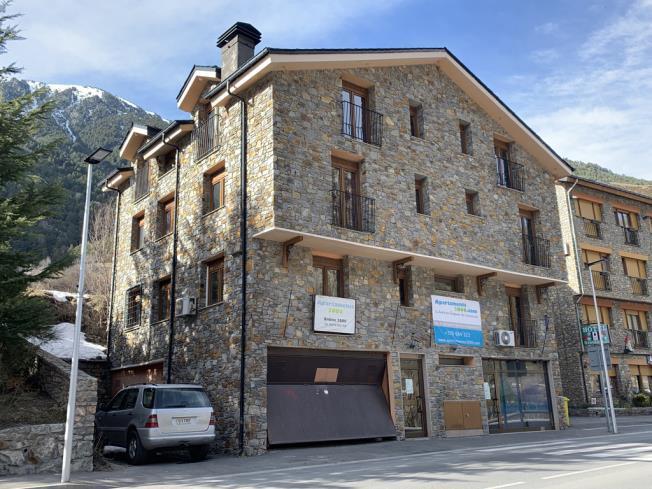 fachada-invierno_3-apartamentos-anem-3000ordino-estacion-vallnord.jpg