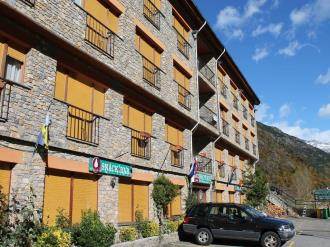 Façade Summer Andorre Vallnord ORDINO Appartements Anem 3000