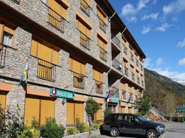 Fachada Verano Andorra Estación Vallnord Ordino Apartamentos Anem 3000