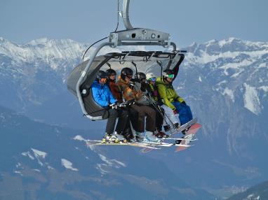 ski-lift-1201084_1920.jpg