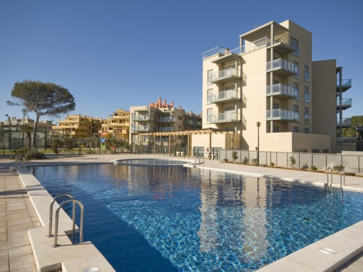 Apartamentos con piscina_1