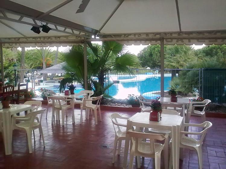 Apartamentos con piscina_5