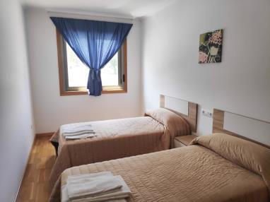 Alquiler apartamentos larga estancia en Ares-5