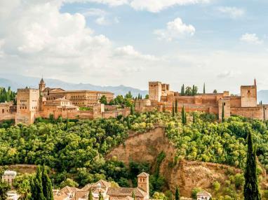 Apartamentos cerca de la Alhambra de Granada-1